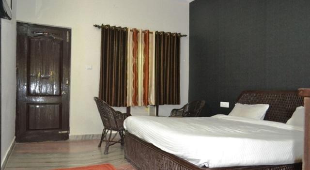 Cottage_Room