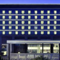 hotel-exterior_1440x550