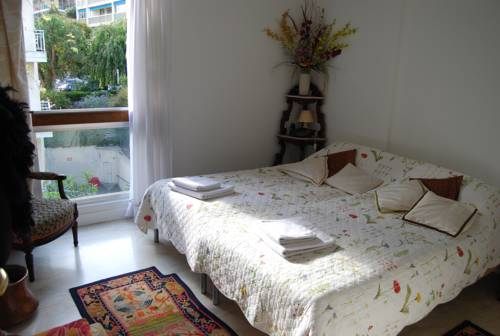 Home Rental Villa 3 Chambres Bord De Mer, Cannes. Use Coupon Code ...