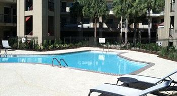 swimming pool - Wyndham Garden Baton Rouge
