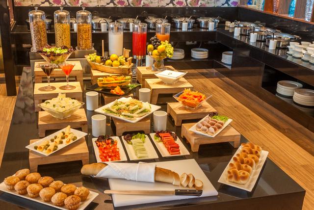 breakfast_buffet