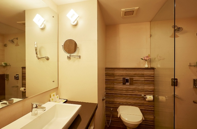 13-Varca-Bathroom-1