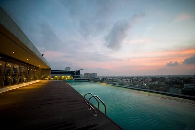 sr_india_chennai_cit-omr_infinity-pool-02--hr