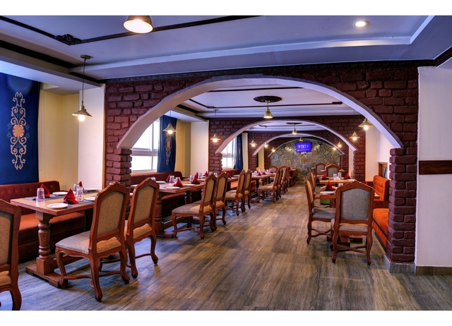 Restaurant.JPG2