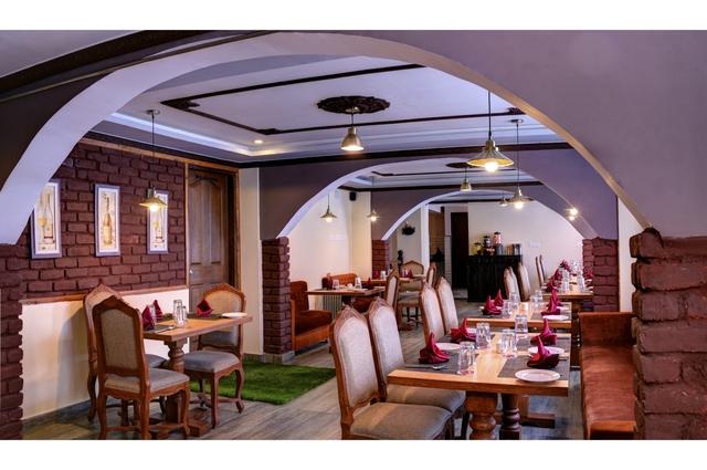 Restaurant.JPG3
