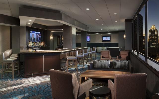 bar - Hilton Garden Inn Austin Downtown