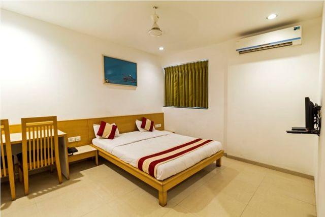 de-ecobiz-hotel-ahmedabad-deluxe-room-1-131260654546-jpeg-fs