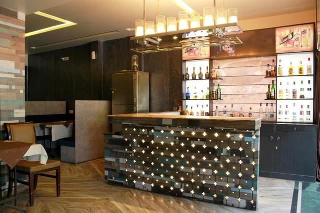 hotel-kamal-regency-bhopal-bar-71419316199fs_(1)