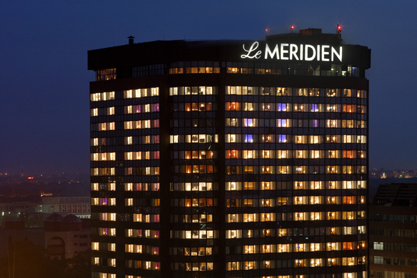 Discover_the_Hues_Le_Meridien