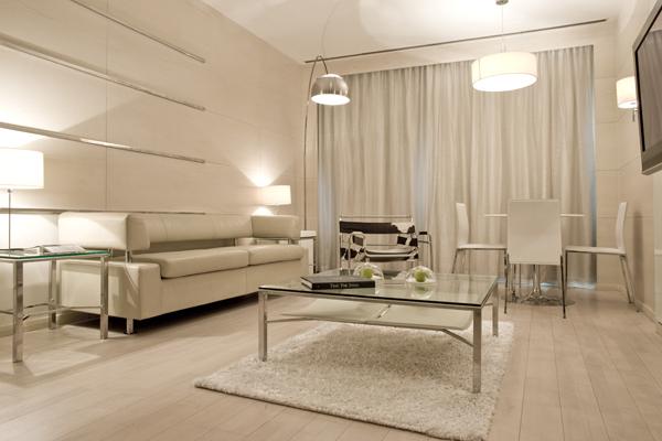 Executive_Suite_All_White_Interiors