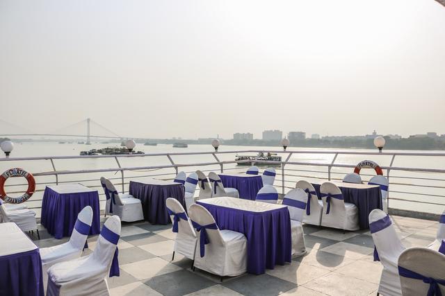 Rooftop_Restaurant_(1)