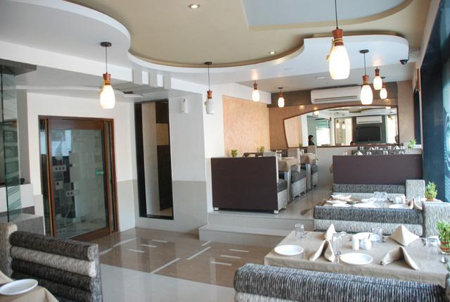 restaurant-01.jpg2