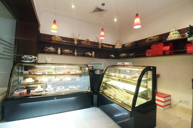 Temptation_Cake_Shop_(1)