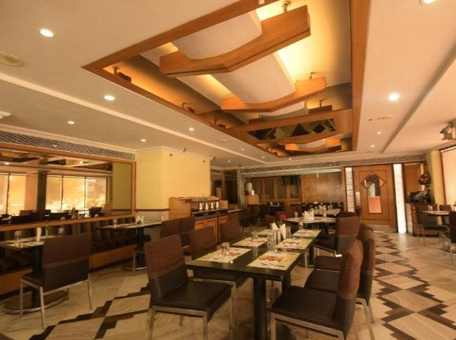 daspalla-executive-court-waltair-main-road-visakhapatnam-3-star-hotels-fxgl24