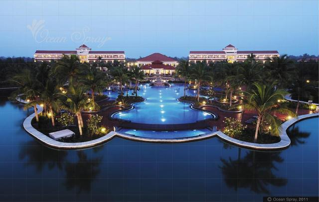 Ocean spray pondicherry room rates reviews deals for Hotels with swimming pool in pondicherry