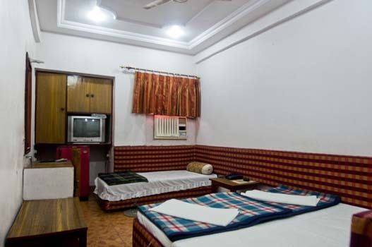 Charans Guest House Lucknow Room Rates Reviews Amp Deals