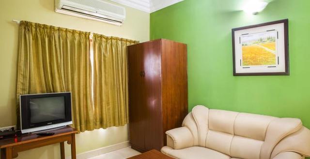 Deluxe_Room__1