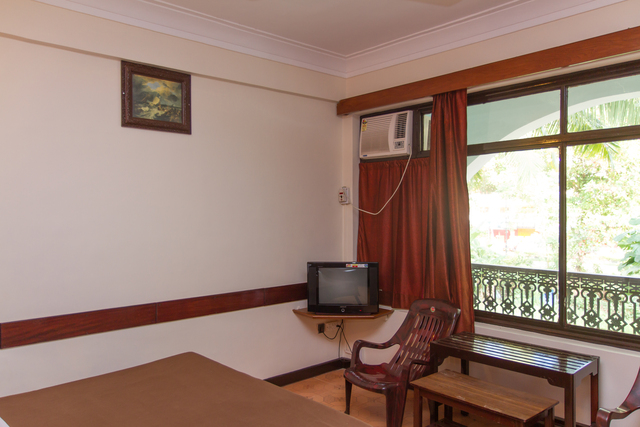 Front_View_Room