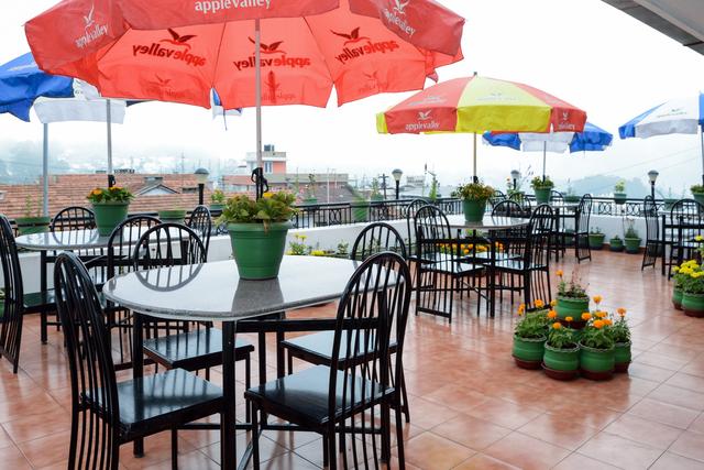 Roof_Top_Restaurant_(2)