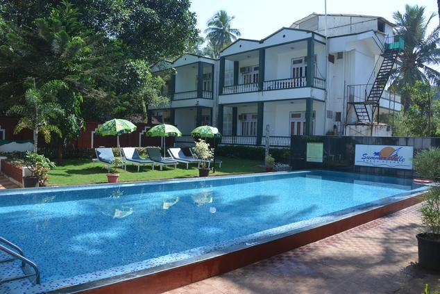 Summerville beach resort goa room rates reviews deals for Resorts in goa with private swimming pool