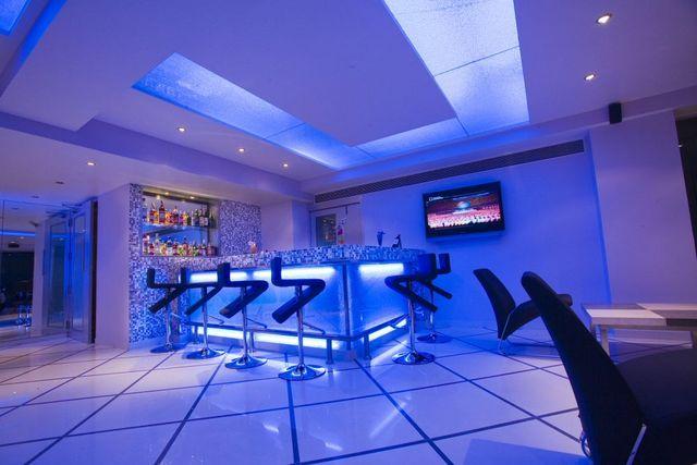Bar_lounge