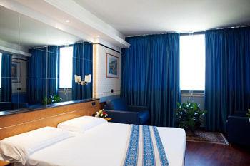https://ui.cltpstatic.com/places/hotels/1746/174664/images/POTN-DAV1-2_w.jpg