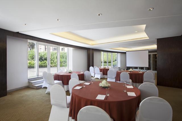 11_Emerald_hall_Corporate_Setup