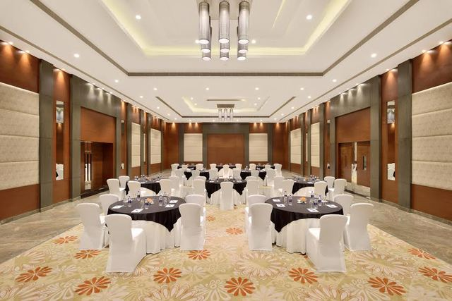 Radisson Blu Pune Hinjawadi Pune Room Rates Reviews Amp Deals
