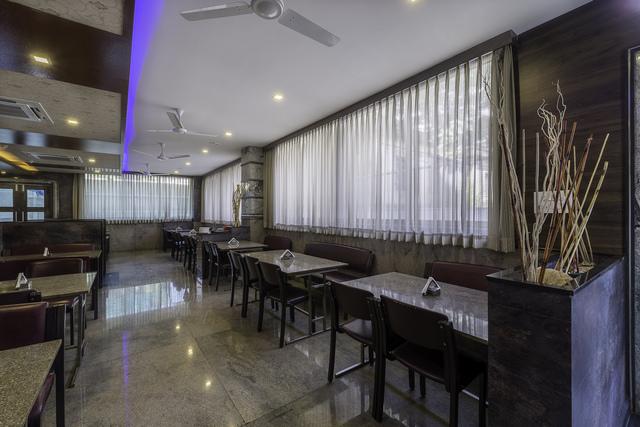 Restaurant_View_1
