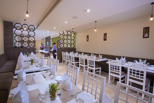 Multi_Cusine_Restaurant_(2)