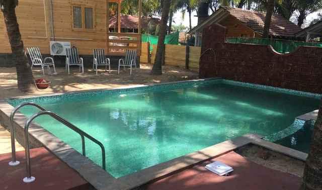 Swimming_Pool_VxyTbw