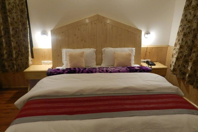 sidh-cottage-manali-room-internal-image-113433774963-jpeg-fs