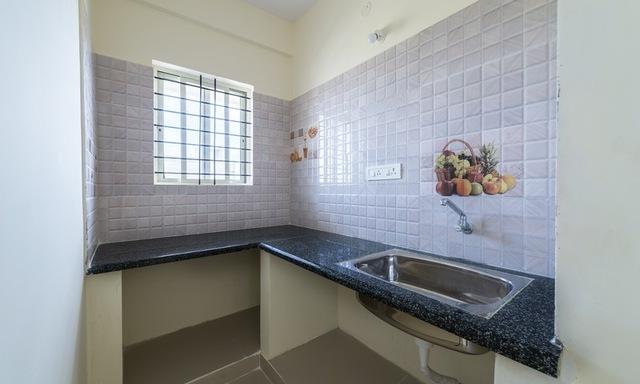 Ample_Premium_Suites_Mahogany_Kitchen