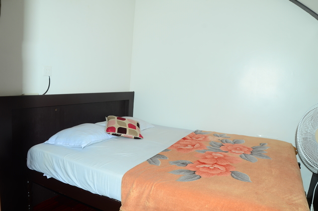 Double_Bedroom_Houseboat2