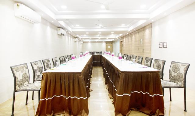 Platinum_Solitaire-Banquet_Hall_Opposite_End_