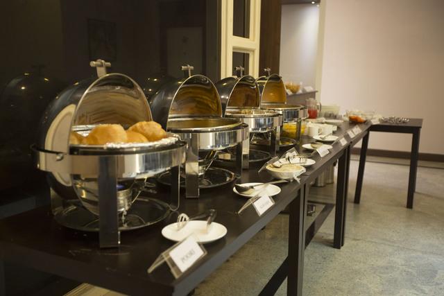 Breakfast_Buffet_1