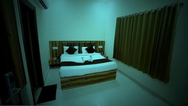 hotel-mm-paradise-amritsar-room-113611850860-jpeg-fs