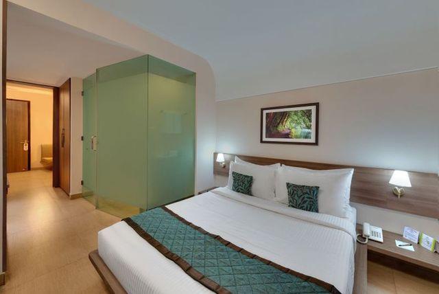 Fern_Club_Premium_Room