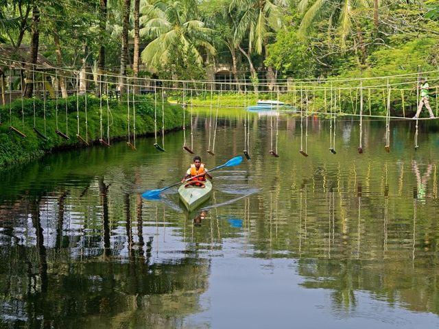 Kayaking_at_IBIZA