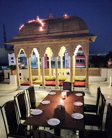 Roof_Top_Restaurant_1