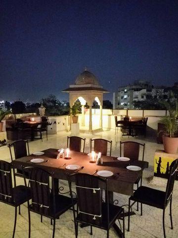 Roof_Top_Restaurant_2