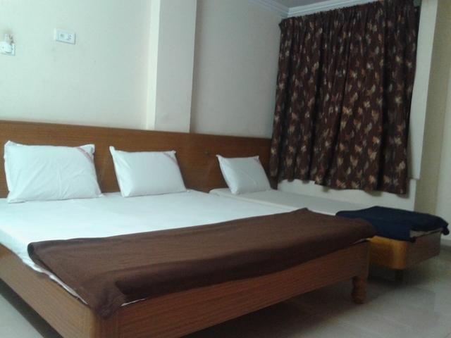 triple_bed_non_ac