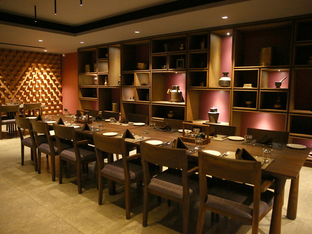 multicuisine_restaurant_in_ahmedabad_five_petals