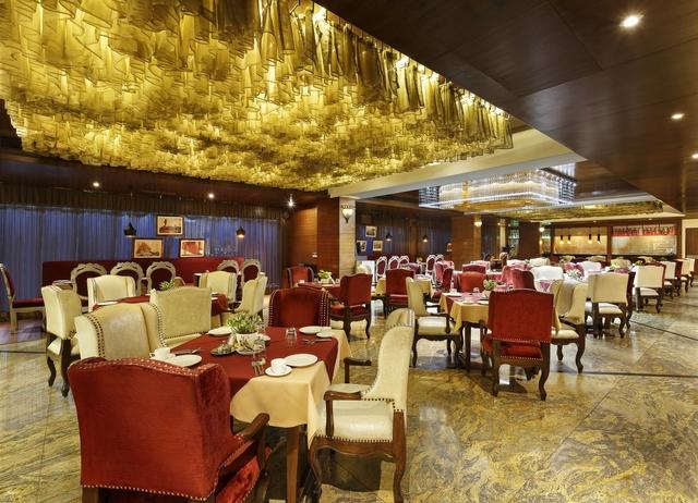 Golden_Oak_Restaurant