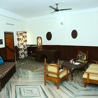 Luxury_Room_Sitting_Area1