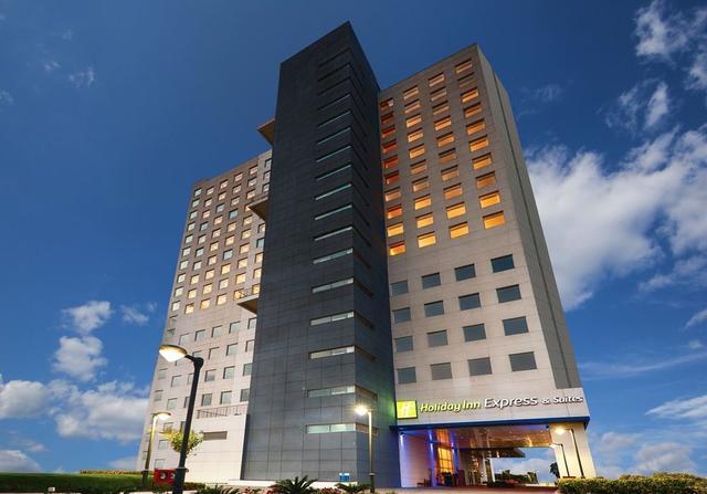 Lemon Tree Hotel Gachibowli, Hyderabad  Room rates, Reviews