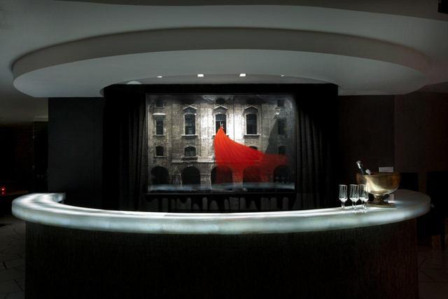 Hotel_Front_Desk