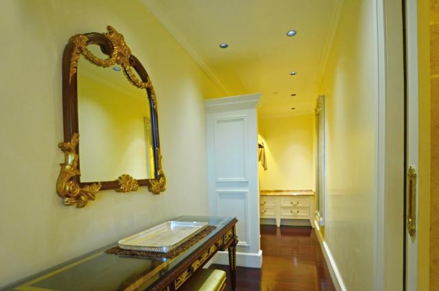 Suite_Bedroom_(2)