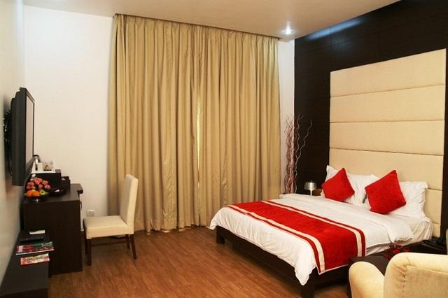 club_room_1