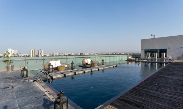 The_O_Hotel_Swimming_Pool